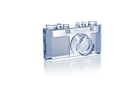Nikon отметит свое 100-летие выпуском ограниченных партий знаковых фотокамер и фигуркой Nikon I с кристаллами Сваровски