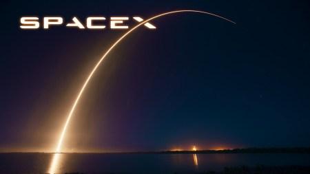 Во второй половине лета SpaceX испытает Falcon Heavy, а заодно, возможно, и попытается посадить вторую ступень