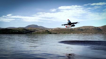 Финансируемый Ларри Пейджем стартап Kitty Hawk опубликовал первое видео «летающего электромобиля» Flyer, его продажи должны начаться в конце года