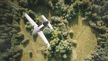 Lilium Aviation успешно испытала «первый в мире» полностью электрический пассажирский конвертоплан Lilium Jet [видео]