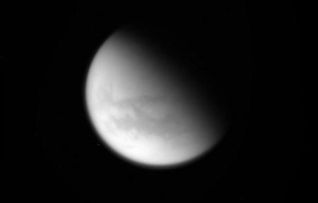 Космический аппарат Cassini совершил последний пролет над Титаном и приступил к выполнению финального маневра