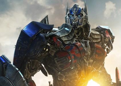Майкл Бэй заявил о 14 уже написанных историях для новых фильмов про трансформеров