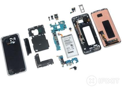 Эксперты iFixit разобрали смартфон Samsung Galaxy S8 Plus и оценили его ремонтопригодность