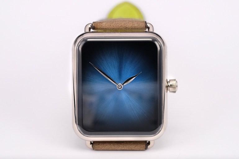 Новые люксовые часы швейцарской компании H. Moser стоимостью $26,9 тыс. полностью копируют дизайн Apple Watch