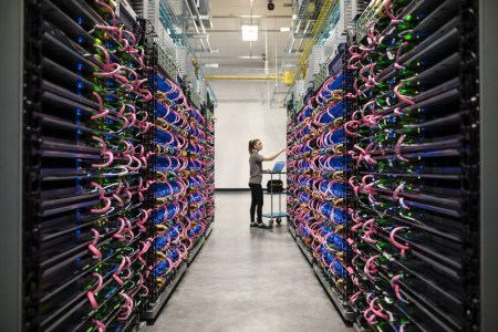 Вычислитель Google TPU 2-го поколения обеспечивает существенный прирост производительности системам ИИ