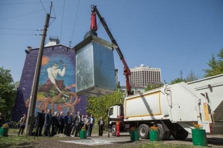 КГГА: В Киеве построят первые в Украине центры сортировки и переработки мусора, «защитив» его от теневого сбора за счет антивандальных контейнеров и закрытия пунктов приема вторсырья