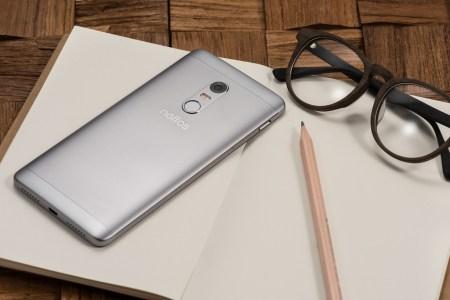 В Украине стартовали продажи флагманского смартфона Neffos X1 Max по цене от 6199 грн