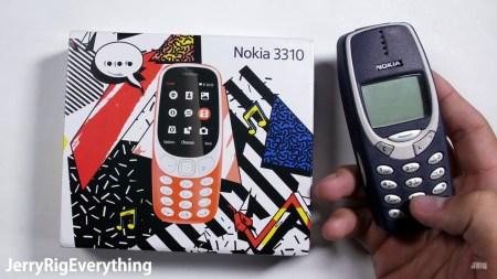 Новый телефон Nokia 3310 (2017) подвергли испытаниям на прочность [видео]