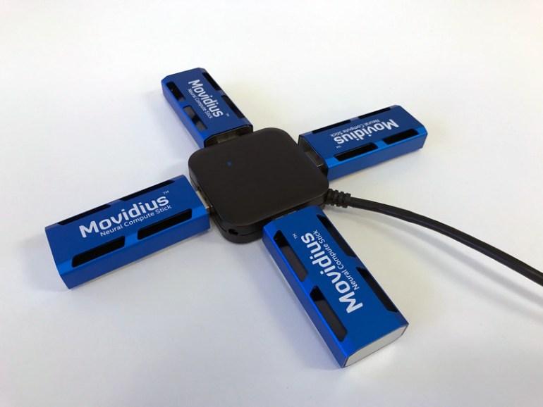 Movidius Neural Compute Stick в виде флешки представляет собой нейронную сеть с производительностью более 100 гигафлопс