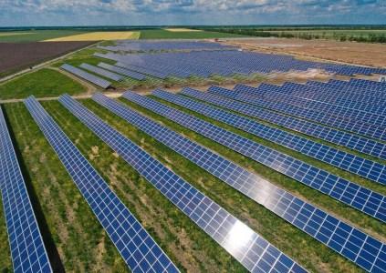 Компания Рината Ахметова «ДТЭК ВИЭ» ввела в эксплуатацию свою первую солнечную электростанцию «Трифановская СЭС» мощностью 10 МВт