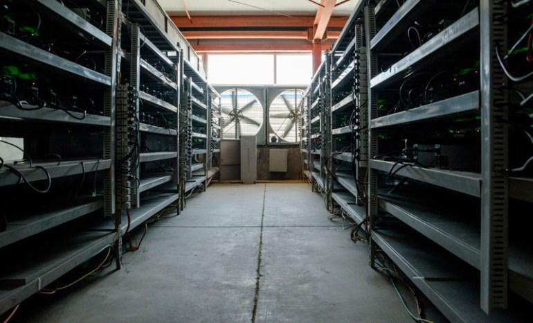 Журналисты побывали на ферме крупнейшего майнера Bitmain, которая ежедневно добывает биткоинов на $280 тыс. и тратит до $39 тыс. на электроэнергию