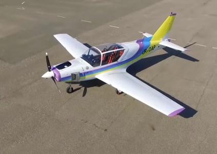 Одесские авиаконструкторы создали украинский легкий 4-местный самолет Y1 «Дельфин»