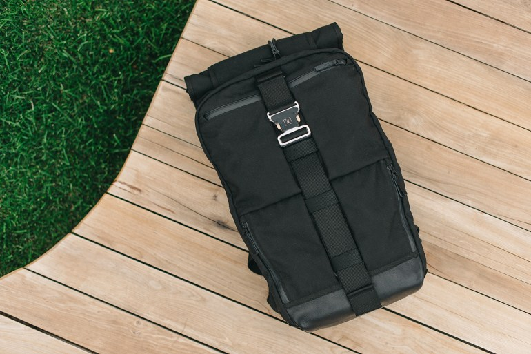 Украинец вышел на Kickstarter с рюкзаком HURU для путешественников, за первый день профинансировано 2/3 от нужной суммы