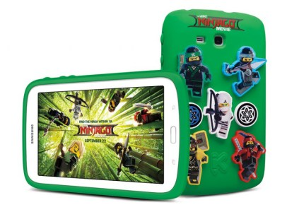 К премьере фильма «Лего Фильм: Ниндзяго» Samsung создала детский планшет с соответствующей стилистикой