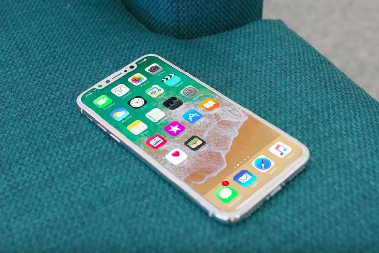 WSJ: Apple на месяц отстает от графика сборки iPhone 8 из-за проблем на производстве, в начале продаж смартфон будет в дефиците