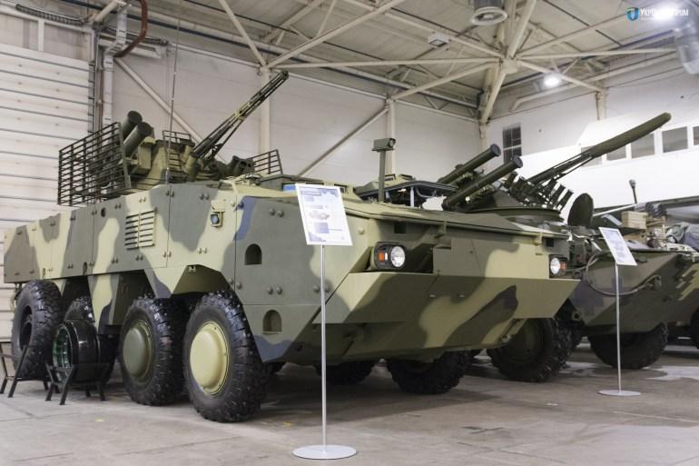 """""""Укроборонпром"""" представил беспилотный БТР """"Фантом-2"""" на выставке вооружения AUSA-2017 в США"""