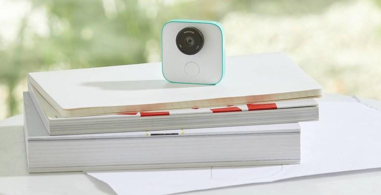 Google Clips — крошечная камера с ИИ за $250, которая сама себе фотограф