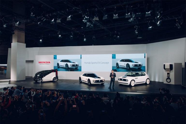 Honda представила спортивный электромобиль Sports EV Concept, выполненный в стилистике сити-кара Urban EV Concept