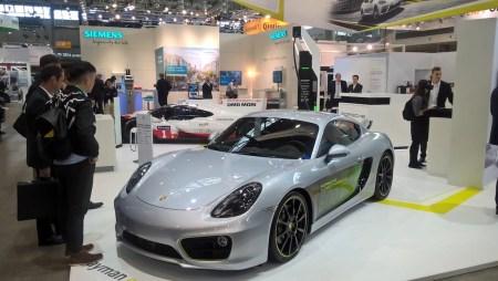 Производитель превратил серийный Porsche Cayman в полноценный электромобиль с разгоном до сотни за 3,3 секунды и запасом хода 200 км