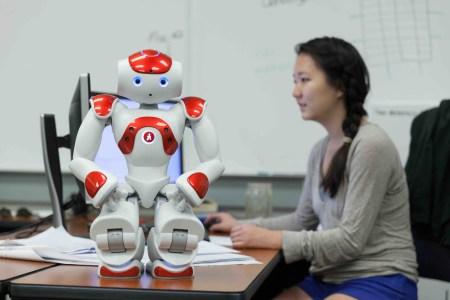 NYT: на рынке технологий ИИ наблюдается дефицит кадров