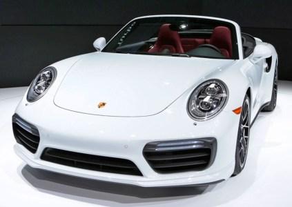 Porsche работает над гибридной версией Porsche 911