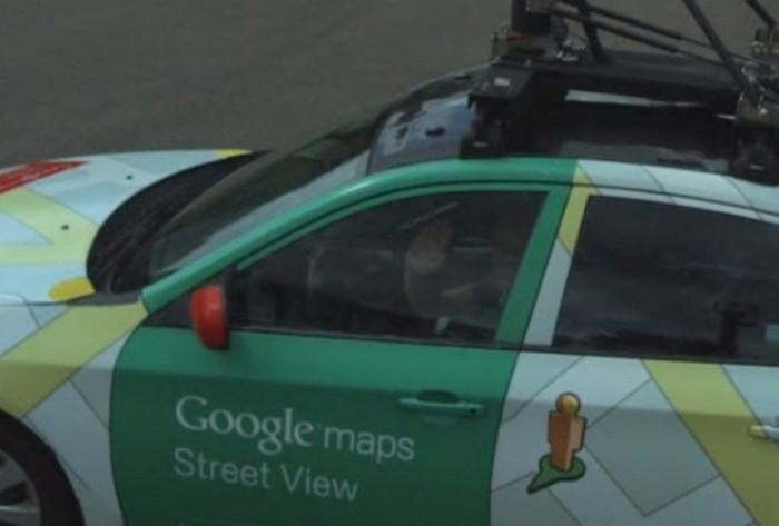 """""""Должен остаться только один"""": Что будет, если на дороге встретятся автомобили картографических сервисов Google Maps и Microsoft Bing?"""