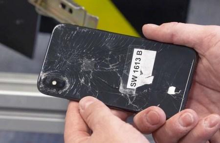 В свежем рейтинге Consumer Reports смартфон Apple iPhone X чуть ли не последний (из первой десятки)