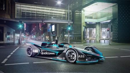 FIA показала официальные фотографии электрического болида Formula E второго поколения с новым дизайном и удвоенным запасом хода