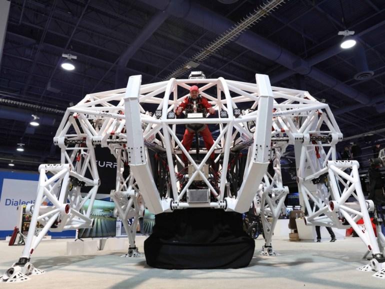 Furrion Prosthesis - гигантский электрический экзоскелет высотой 5 метров и весом 3,6 тонны, созданный для участия в гонках мехов [видео]