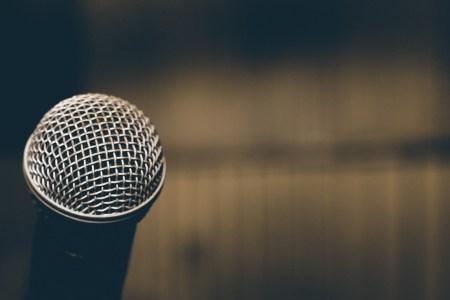 Некоторые приложения скрытно используют микрофоны смартфонов для отслеживания телевизионных предпочтений пользователей