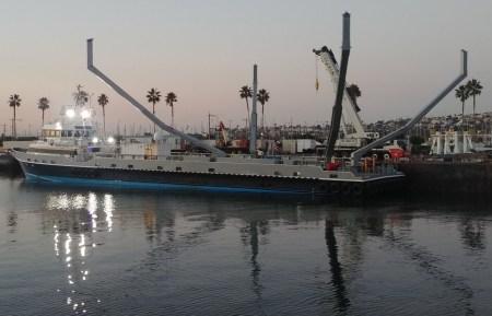 SpaceX делает еще одну плавучую платформу («A Shortfall of Gravitas»), которая будет работать в паре с другим судном для отлавливания головных обтекателей