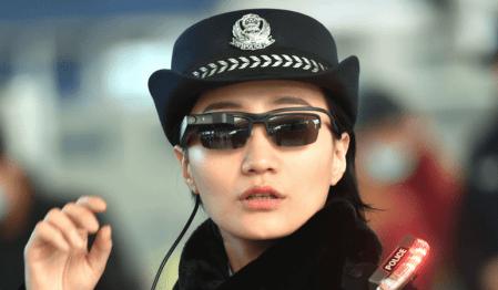 «Кличко на заметку»: Китайские полицейские используют умные очки с функцией распознавания лиц для поимки преступников