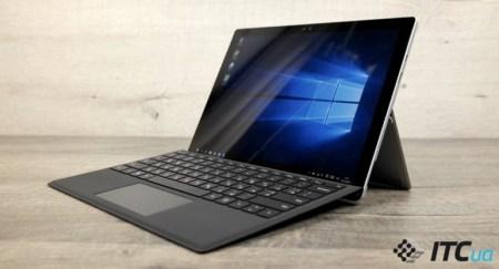Flickergate: Владельцы Microsoft Surface Pro 4 на время кладут планшеты в морозилки, чтобы решить проблему мерцания экрана