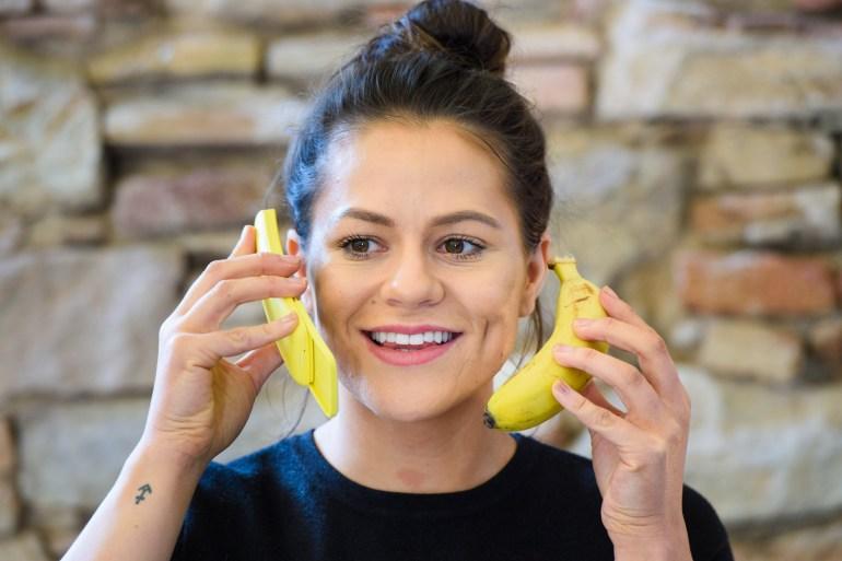 Nokia 8110 4G. HMD Global возродила легендарный «бананофон»-слайдер (тот самый из «Матрицы»)
