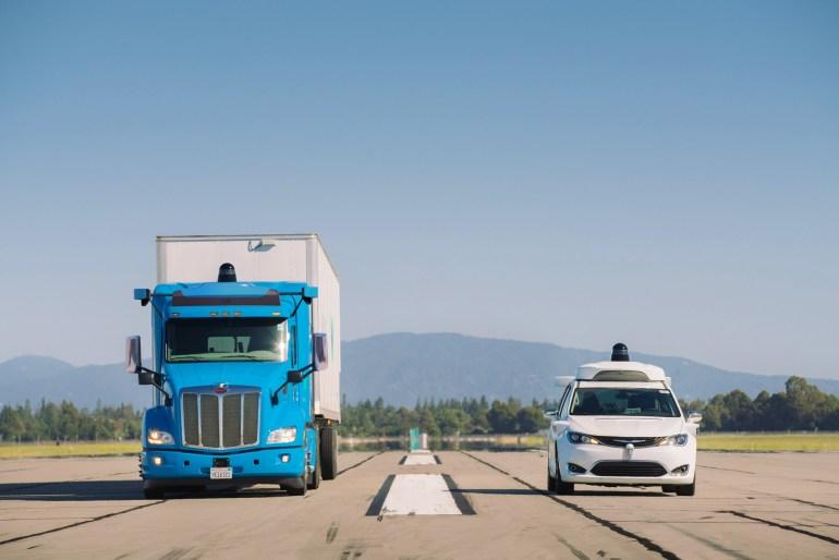 Waymo расширила свою программу испытаний беспилотных автомобилей на грузовики, которые будут доставлять грузы для дата-центров Google
