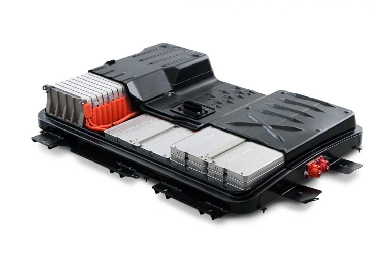 Ремонт Nissan LEAF: АКБ за $3-6 тыс. и замена масла
