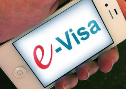 Украина начала оформлять электронные визы для иностранцев из 46 стран, первая e-виза уже выдана