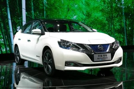 В Пекине представили электрический седан Nissan Sylphy Zero Emission, созданный на основе хэтчбека Nissan Leaf