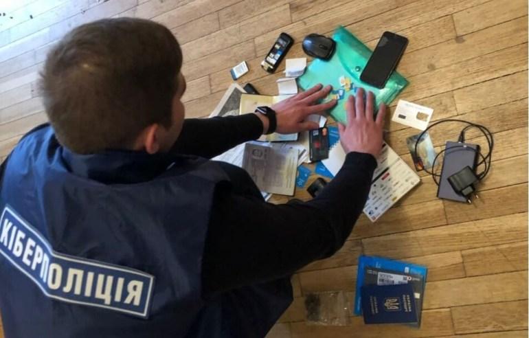 Киберполиция: Киевлянин воровал аккаунты соцсетей и требовал выкуп за их возврат