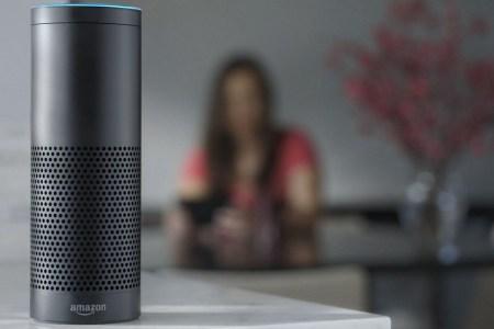 Умная колонка Amazon Echo записала личный разговор семьи и отправила его случайному адресату, приняв обычные слова за команду