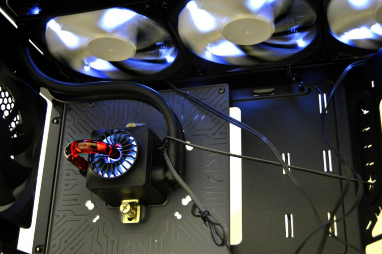 Deepcool GENOME II: корпус с «водянкой» на борту