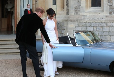 «Самый красивый электромобиль в мире» Jaguar E-type Zero поучаствовал в королевской свадьбе