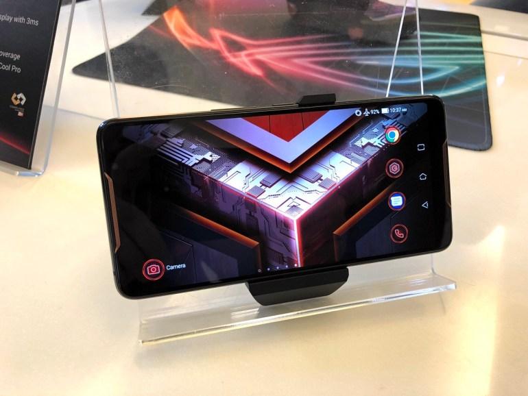 ROG Phone: первый взгляд на игровой смартфон ASUS