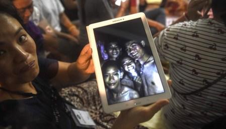 Илон Маск предложил технологии Boring Company и Tesla для спасения подростков из затопленной пещеры в Таиланде