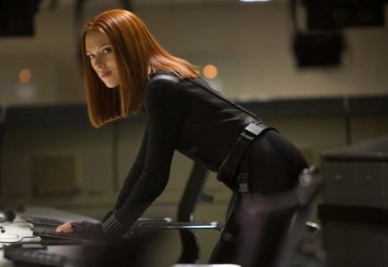 Студия Marvel наконец выбрала режиссера для грядущего сольного фильма о Черной вдове