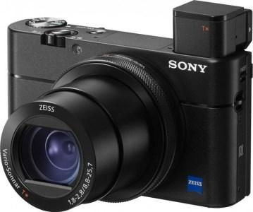 Sony обновила прошлогоднюю фотокамеру RX100 V новым процессором Bionz X из модели RX100 VI, не меняя ее цены