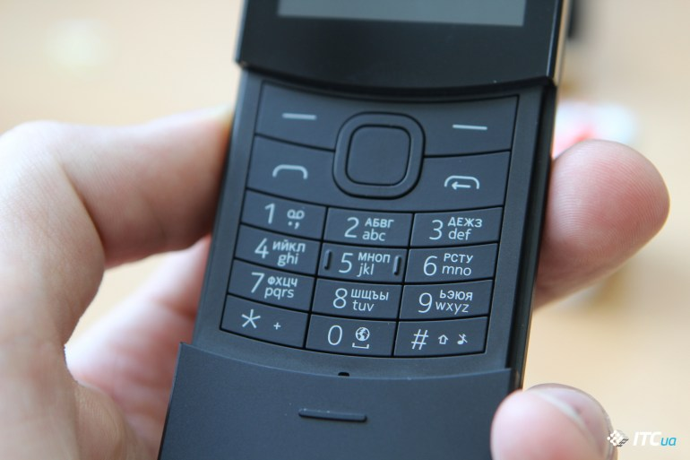 Nokia 8110 4G клавиатура