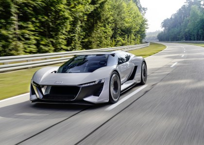 Представлен концепт электроспорткара Audi PB 18 e-tron: 570 кВт, разгон до «сотни» за 2 сек, твердотельные батареи на 95 кВтч, запас хода 500 км и сдвигаемое водительское место