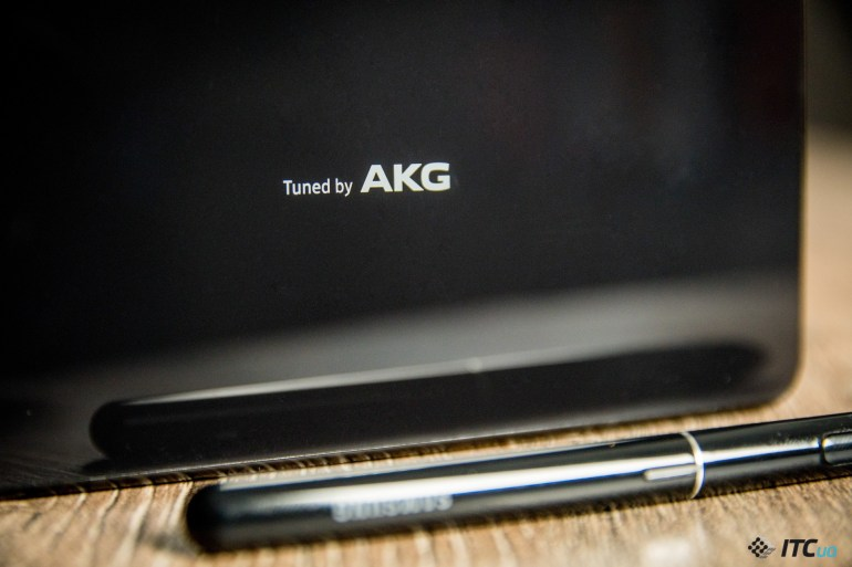 динамики Galaxy Tab S4