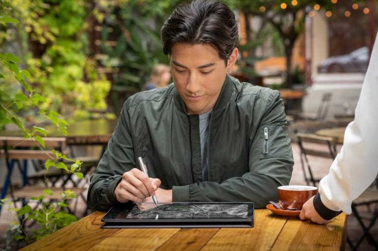 Intel представила новые мобильные процессоры Core восьмого поколения для ультрапортативных ноутбуков и планшетов